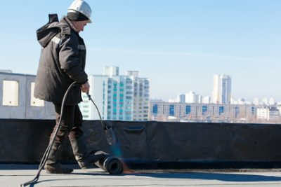 How to Find the Best Commercial Flat Roof Contractor in Detroit