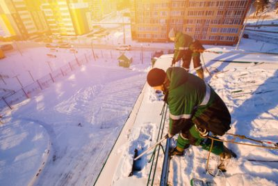 Everything You Need to Know About Snow and Flat Roofs
